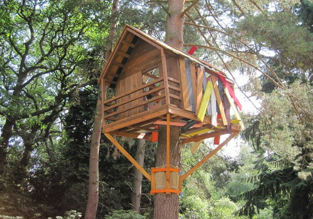 playground-treehouse
